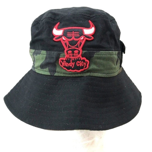018498c72a0 Men s New Era Chicago Bulls Windy City Bucket Hat